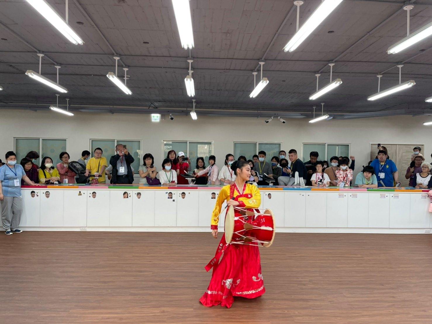 茱莉亞舞蹈團精彩的舞蹈音樂表演
